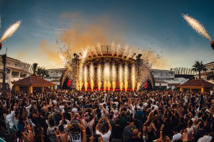 Ushuaïa opens with ANTS double weekend spectacular