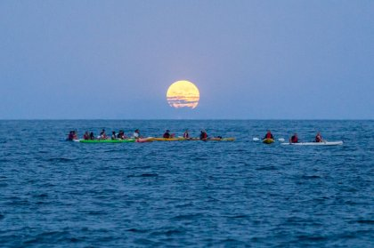 Discover the delights of a full moon kayak experience on Ibiza