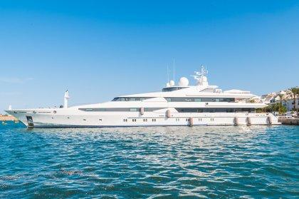 Super-yachts in Ibiza: Stargate