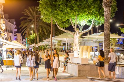 How to do the perfect girls' budget trip to Ibiza