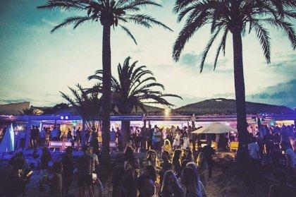 Beachouse announces party with Armonica