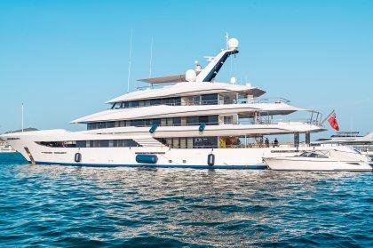 Super-yachts in Ibiza: Joy