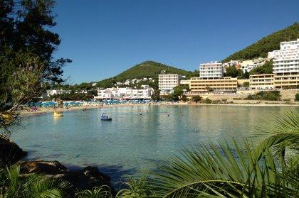Apartamentos en Cala Llonga, Ibiza